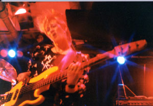 female bass player Debby Hastings