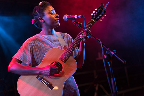 Josephine Oniyama - Female Singer | Guitarist from the U.K.